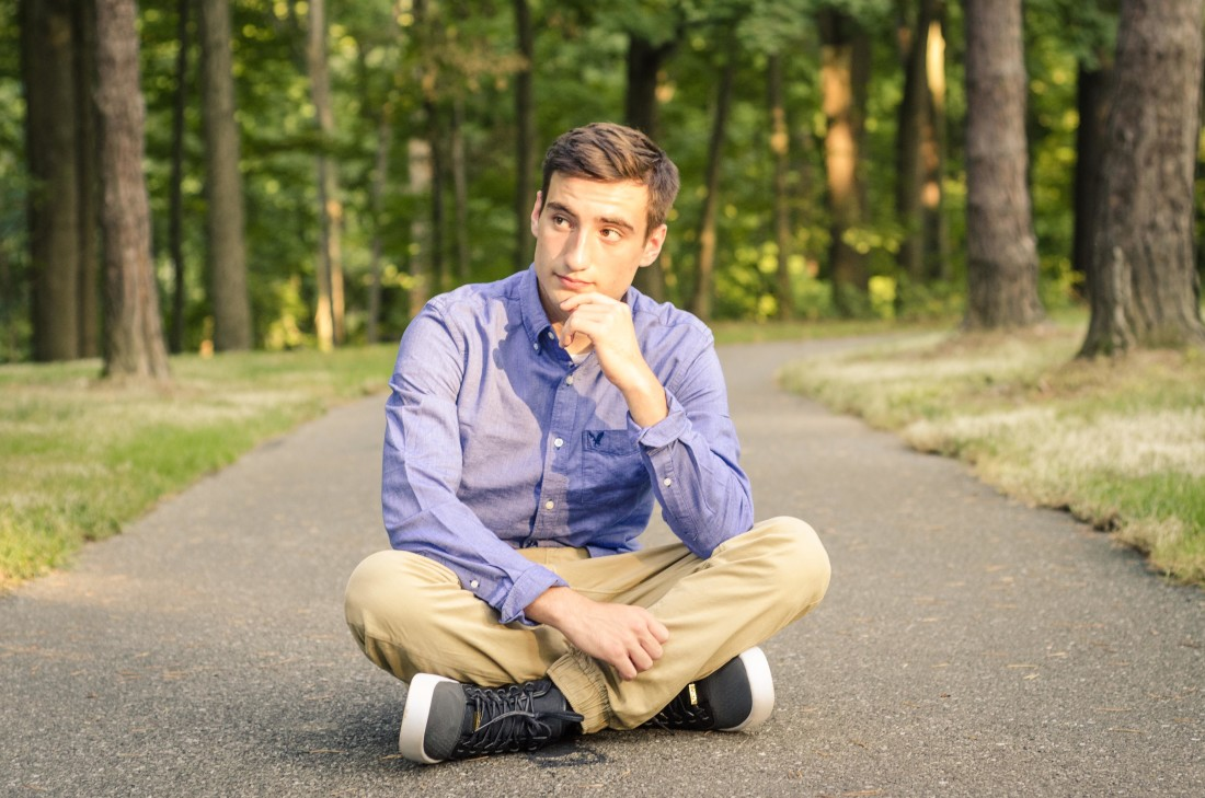 senior photos at schoepfle garden in vermillion ohio