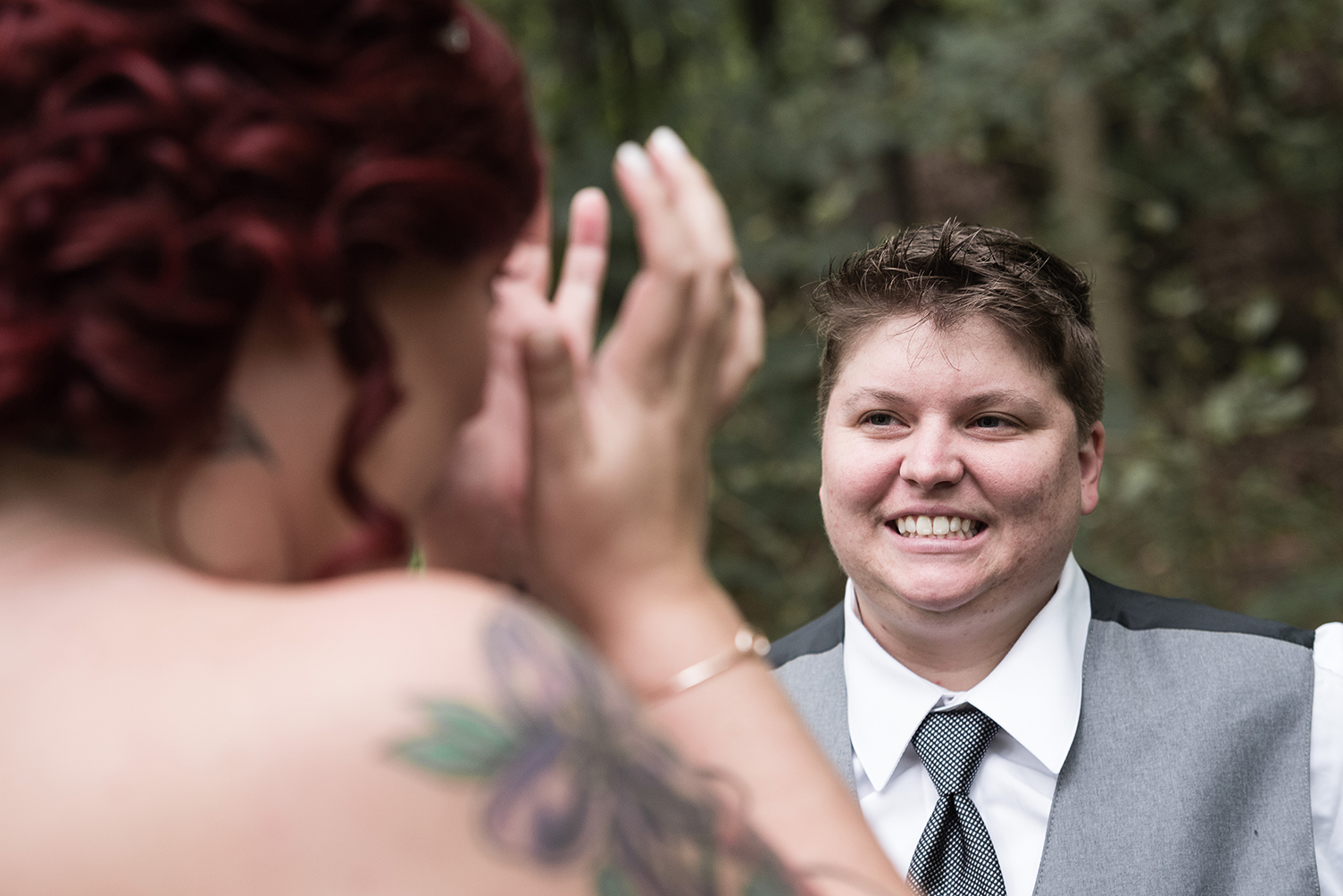 romantic and fun wedding photos at cleveland metroparks zoo